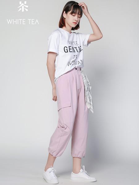 白茶女装品牌2021夏季简单搭配T恤