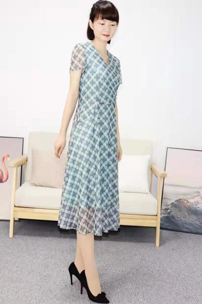 靓漫蒂女装品牌2021夏季洋气时尚V领短袖连衣裙
