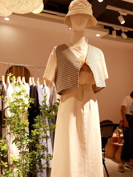 瑶丫头女装品牌2021夏季小清新短外套半身裙两件套