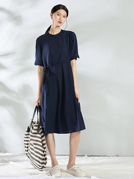 布伊轨道女装品牌2021夏季休闲收腰显瘦连衣裙