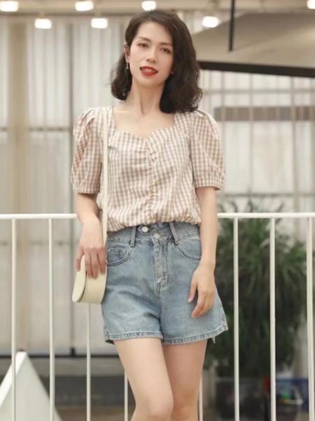 唯媚女装品牌2021夏季方领短袖衬衫短款套装