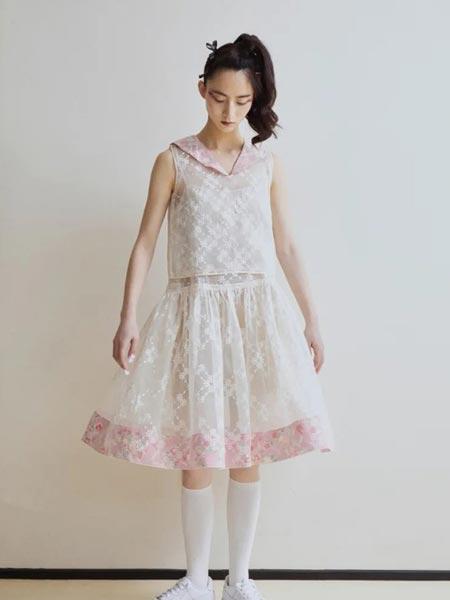 MARCH女装品牌2021春夏小清新白蕾丝印花裙