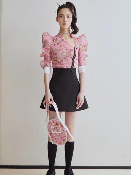 MARCH女装品牌2021春夏泡泡袖衬衣