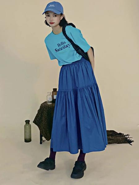 讀色女裝品牌2021夏季高挑大牌風韓版字母T恤套裝