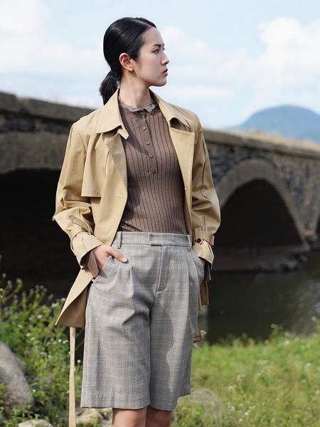 底色女装品牌2021秋季卡其色衬衫长款外套