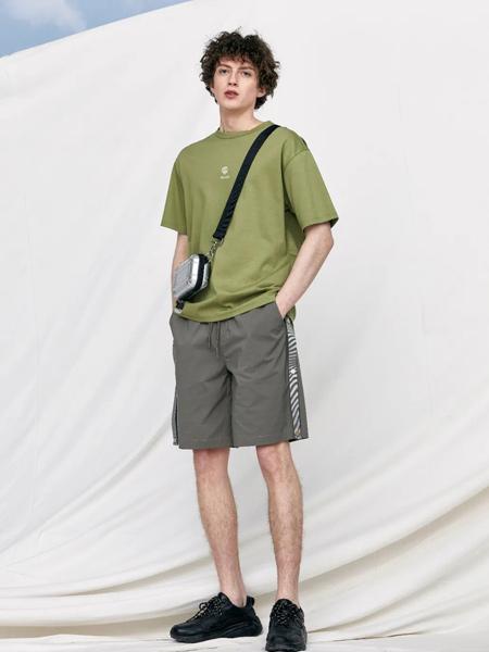 J.P.E男装品牌2021春夏龍纹字母印花T恤