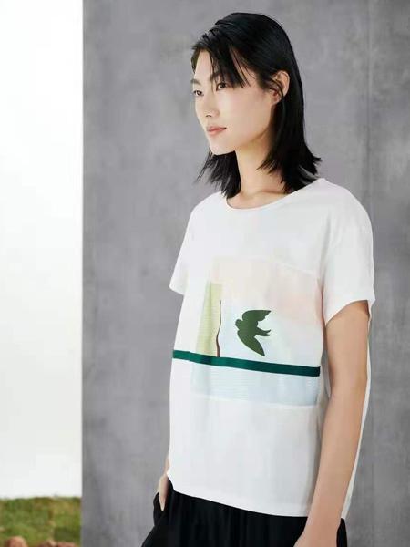 述忘女装品牌2021春夏小清新印画T恤