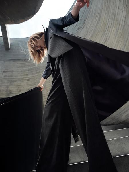 IDPAN女装品牌2021秋冬修身气质风衣外套