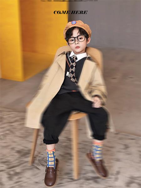 玛玛米雅童装品牌2021秋季时尚学院风风衣外套