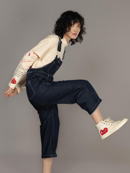 MO.陌女装品牌2021秋季休闲吊带裤