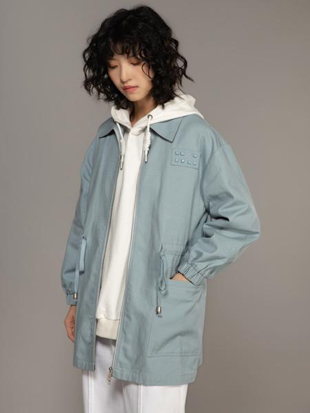 MO.陌女装品牌2021秋季时尚纯色外套