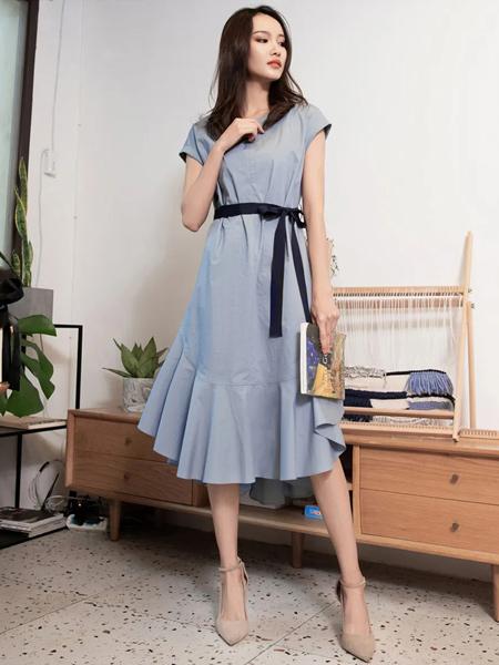 Aline阿莱女装品牌2021春夏气质简约OL显瘦连衣裙