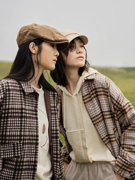 堓上女裝品牌2021秋季經典格子紋路針織衫外套