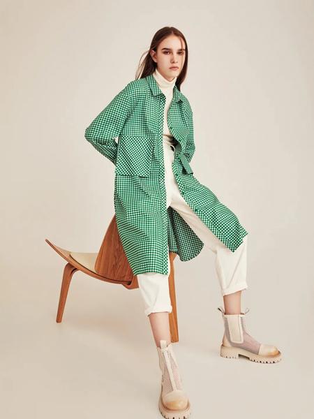 意澳女裝品牌2021秋冬綠色格子紋路外套