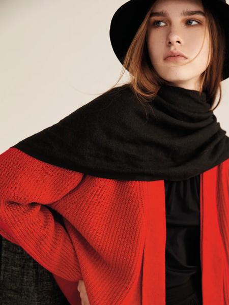 意澳女裝品牌2021秋冬羊絨針織衫套裝