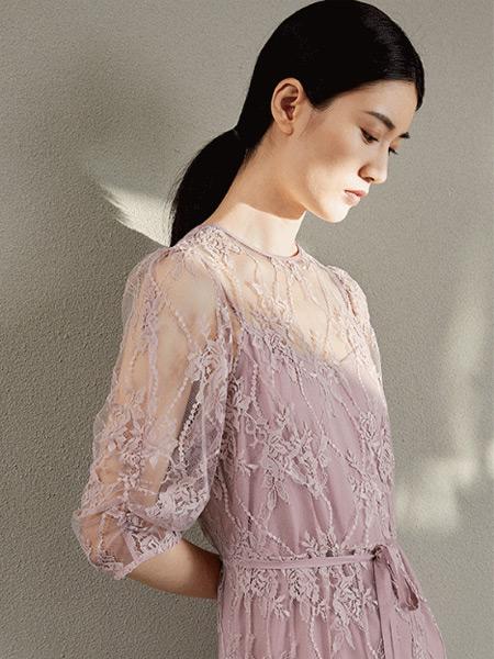 AFleurir女裝品牌2021秋季蕾絲刺繡收腰連衣裙