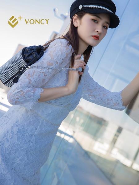 E+voncy女裝品牌2021秋季蕾絲刺繡連衣裙