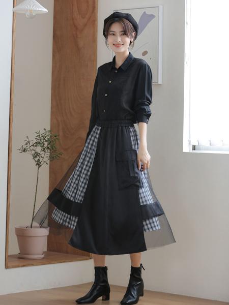 爱依莲女装品牌2021秋季黑色翻领衬衫套装