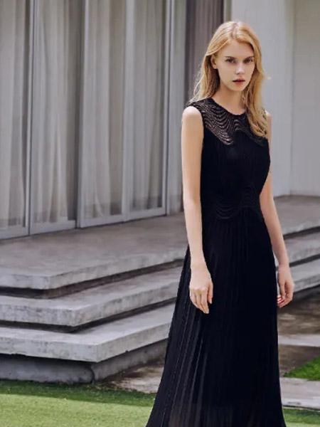 爱特爱女装品牌2021夏季蕾丝刺绣褶皱连衣裙