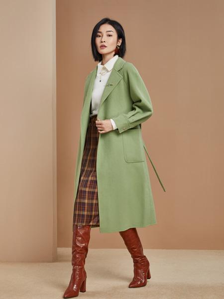 城市衣柜女装品牌2021秋季绿色长款风衣外套