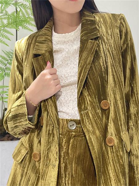 樱语茉莉女装品牌2021秋季纯色褶皱外套