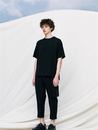 J.P.E男装品牌2021夏季拼接线设计T恤