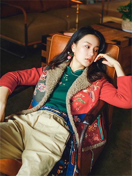 渔女装品牌2021秋季羊绒刺绣印花外套套装