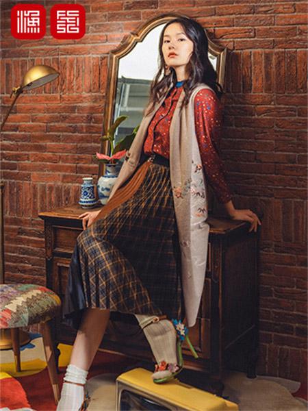 渔女装品牌2021秋季刺绣花朵长款针织外套