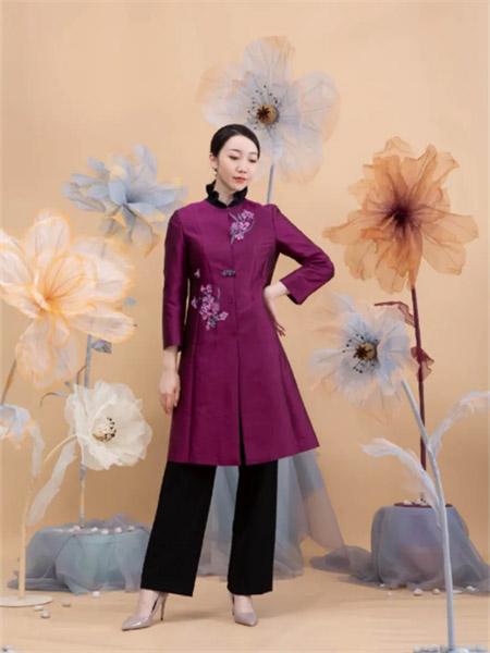 ��笛女装品牌2021夏季紫色印花高领连衣裙