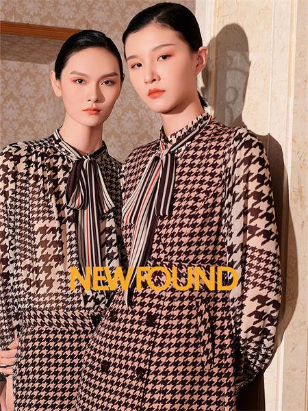 紐方女裝品牌2021秋季系帶印花條紋外套套裝
