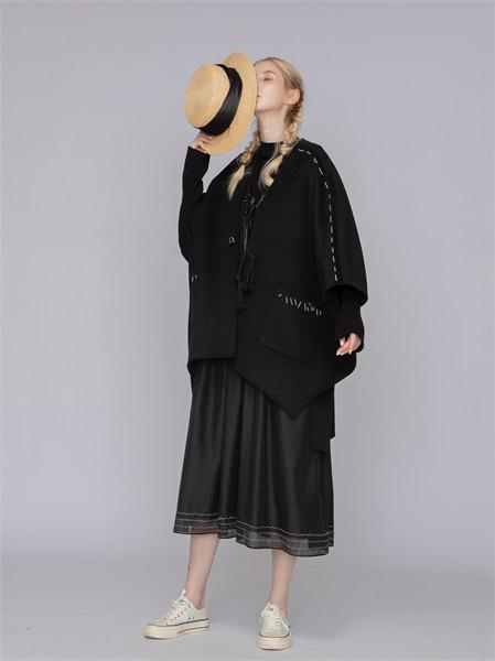 庄玛女装品牌2021秋季宽松纯色纯棉外套