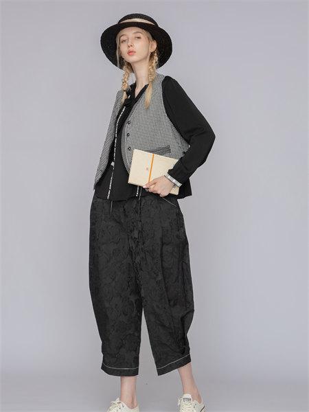 庄玛女装品牌2021秋季纯色宽松印花直筒裤