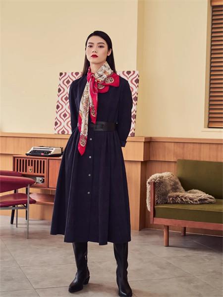 艾璞琪女装品牌2021秋季收腰显瘦连衣裙