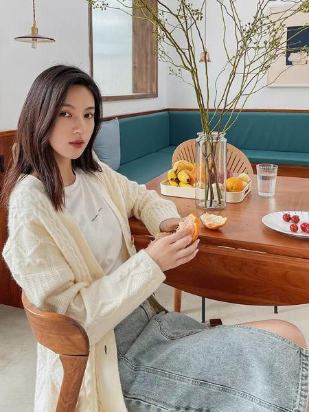 F.SHINE女装品牌2021秋季百搭针织分叉牛仔裙