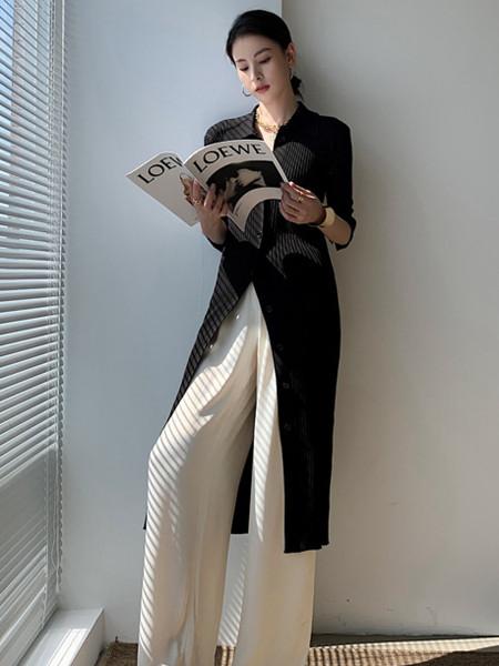 珂希莉女装品牌2021秋季中长款V领针织外套
