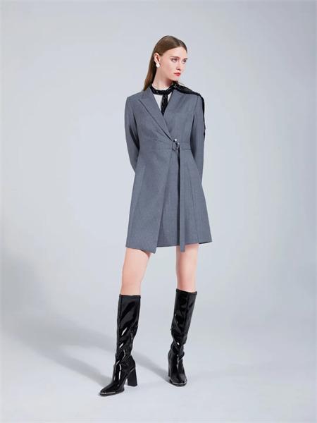 埃沃定制女装品牌彩38平台2021秋季系带宽松纯棉外套