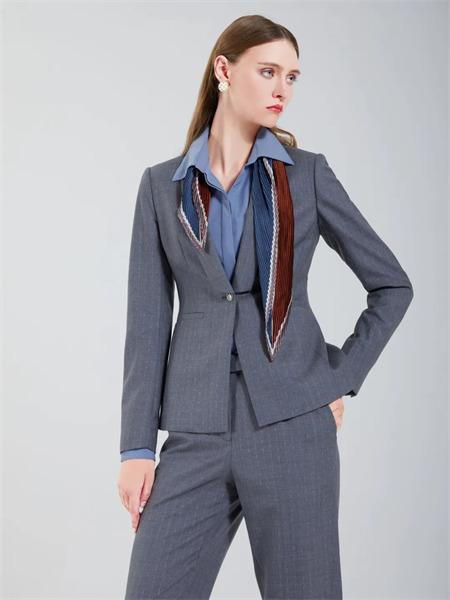 埃沃定制女装品牌彩38平台2021秋季商务经典西装套装
