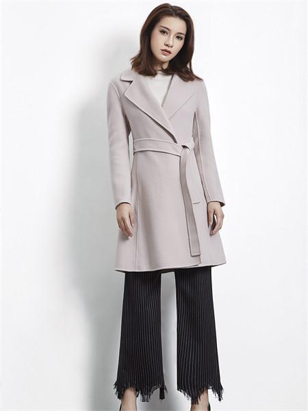 37°生活美学女装品牌2021秋冬修身系带加厚外套