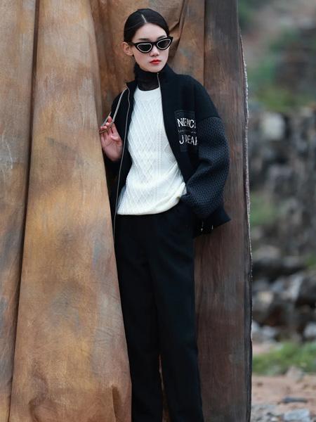基弟女装品牌彩38平台2021秋冬字母拉链运动套装