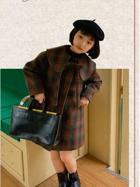 泡泡噜童装品牌2021秋冬娃娃领中长款甜美外套