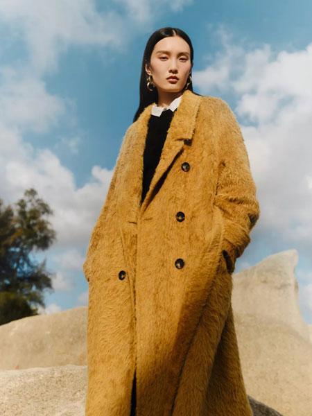 玛丝菲尔女装品牌2021秋冬土黄色长款百搭大衣
